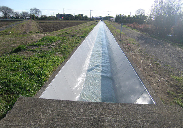 荒川中部農業水利事業 右幹線水路補修その1工事